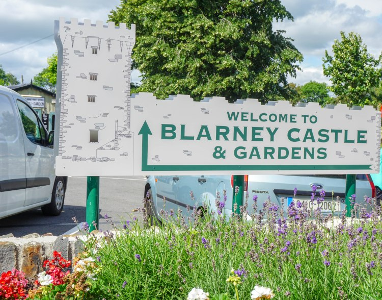blarney castle and gardens welcome sign